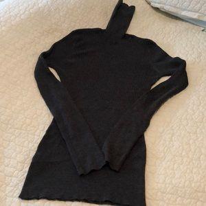 Max studio turtle neck sweater